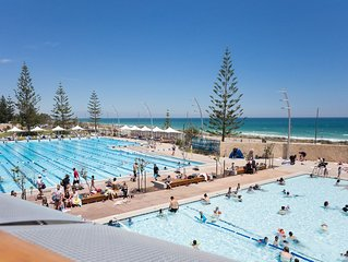 Comfortable 2 bed apartment on Scarborough Beach