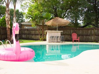 Pool Home w/ Big Kitchen perfect for Families & Work - Dog Friendly - Near Beach