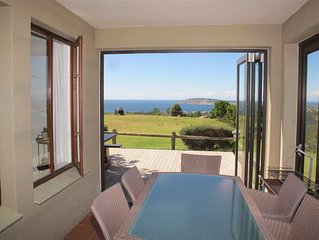 Stunning views, great family friendly 3 bedrooms and 2 bathroom duplex house