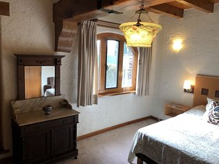 Charming Medieval Private One Bedroom W/ private bathroom