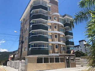 Apartamento com 3 dormitórios com vista para a praia de Palmas