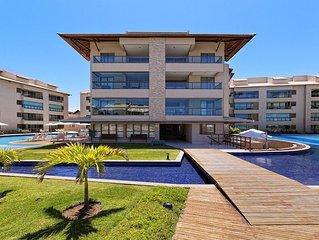 Luxuoso apartamento c/ 2 quartos à B. Mar de Muro Alto-PE.Acomoda até 6 pessoas