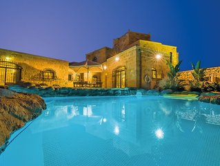 The Chateau - Luxury Villa with pool near St Thomas Bay
