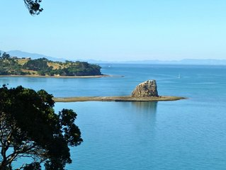 Amazing Cliff Top Ocean Front Apartment Views From Marina-Rangitoto-Auckland Cty