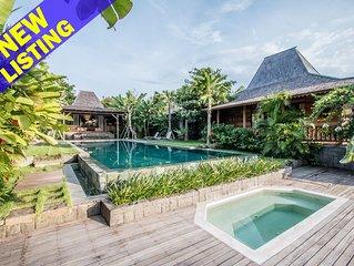 Marika Sawah 6 Bedroom Villa, Rice Field View, Feature Pool+Breakfast, Canggu