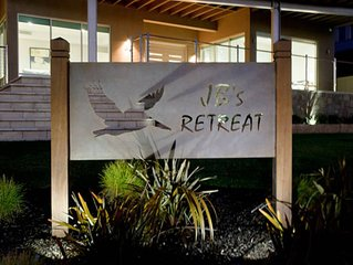 JB's Retreat - Murray Bridge