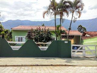 Casa térrea, 3 dormitórios em Residencial fechado com piscina,totalmente seguro.