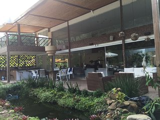 Luxuosa casa  6 suites em Angra com piscina