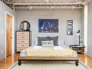 OUR NEST in SOULARD - St Louis MO, a 1BR 1 BA loft, sleeps 4