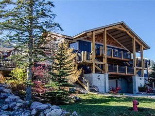 KHMtn+TrailsOpenJune.26!Prof. CleanCondo, HotTub,with amazing views, large deck!