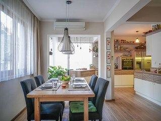 Chic & Cozy 2 bedroom top area 104 sq.m. apartment