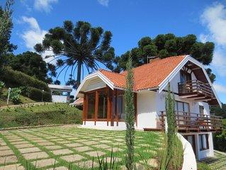 Linda Mansao com uma vista magnifica e conforto! Casa sede com 3 lindos chales
