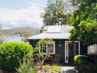 Family & pet friendly holiday house on the waterfront. Linen & towels included.