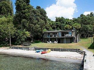 Onepoto Bay Lodge - Lake Rotoiti Holiday Home