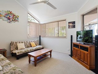 3 'Ambleside' 9 Shoal Bay Avenue - air con, WIFI and close to the water and Shoa