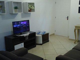 Apto 2 quartos sendo 1 suite , perto do praia center e hotel 4 estaçoes
