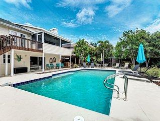 Bradenton, FL Bayview Paradise Sleeps 14