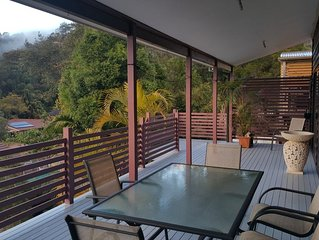 Wake up to the birds, fall asleep to the surf at Umina beach Bungalow