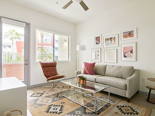 Sonder | Central Corridor | Lively 1BR + Pool