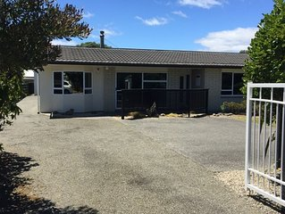 Blair Holiday Home, Waikanae Beach