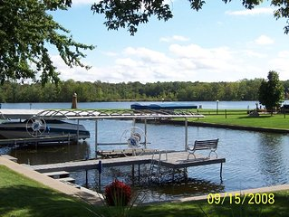 Relaxing,fun lakefront cottage you'll want to come back to.....A Little Piece of