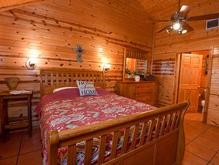 Quaint Frio Spring Lodge with wildlife and water views