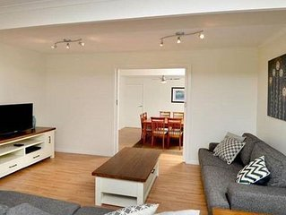 Baile Cottage, Indented Head