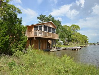 BOATHOUSE IS THE PERFECT COUPLES RETREAT!