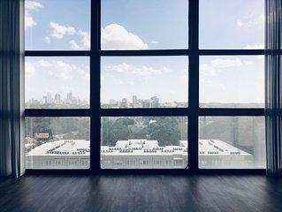 16th Floor Buckhead High Rise - Incredible View