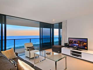 The Oracle Resort Broadbeach - 2 Bedroom, 2 Bathroom with view of the ocean!