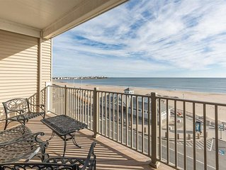 Oceanfront 2 bed / 2 bath - Perfect location for Smuttynose Road Race!