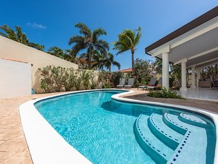 Modern House with swimming pool ~ Close to Palm Beach
