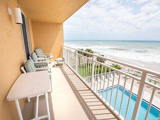 Beachfront Vacation Rental, W/ updated kitchen. Amazing Views of the ocean!
