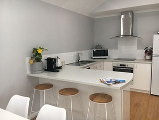 Luxurious new accommodation in the heart of town, 2 bed 2 bath fully equipped.