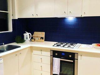 Fabulous light filled 2 bedroom Apartment- Malvern East