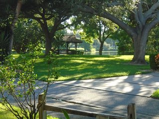 Beautiful Villa minutes from downtown Sarasota, Benderson, golfing, tennis &more