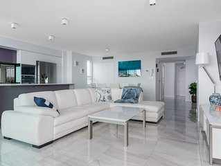 Maroochydore Luxury Riverfront Apartment