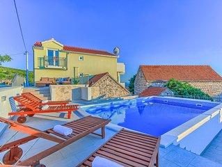 Villa Heritage with swimmnig pool