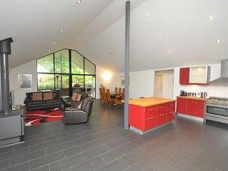 Wattlebird House - spacious, modern, light and comfortable.