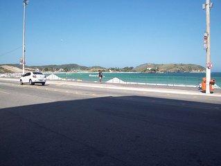 Apt a 200 metros da Praia do Forte, Prédio 3 Rios