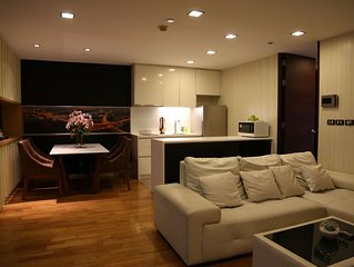 A Spacious 1 Bedroom Condo in Bangkok CBD, 1 minute walk from Sky train