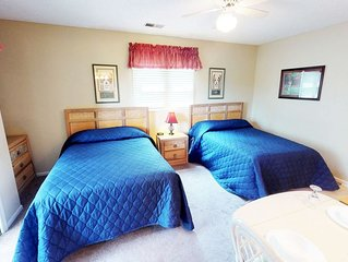 INCLUDES access to Indoor/Outdoor Pool - Charming Mini Suite!