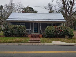 4th Avenue Bungalow in the Heart of Tallahassee