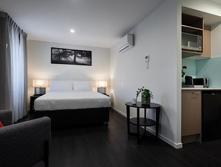 Ascot Budget Residences - Close to Brisbane Airport & Racecourses