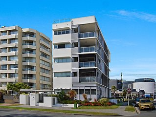 Sands On Greenmount Unit 4 - Beachfront location with ocean views