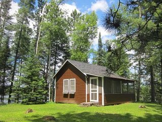 Turtle Point Outpost - Cabin Get Away on a Private Lake - Painted Turtle Cabin