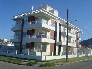 Apto n. 302 na Praia de Palmas do Arvoredo - Governador Celso Ramos