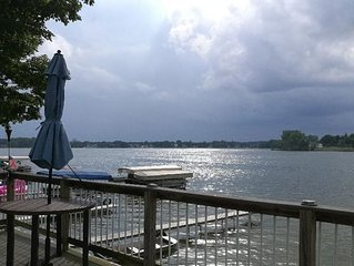New - Lakefront Wall of Windows, Spectacular Sunset Views on Chain of 7 Lakes