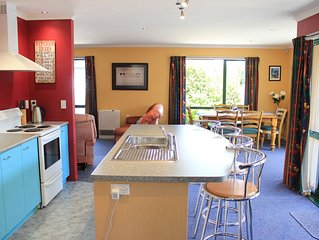 Popular Family friendly, Modern Cosy Bach,+ WiFi, 21 Devon Street Hanmer Springs