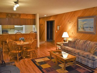 Sleeps 6-8 in the Heart of Shanty Creek!